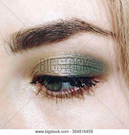 Blue Eye Golden Green Make-up Eyebrow Lash Cosmetic Swatch Fashion Macro Photo