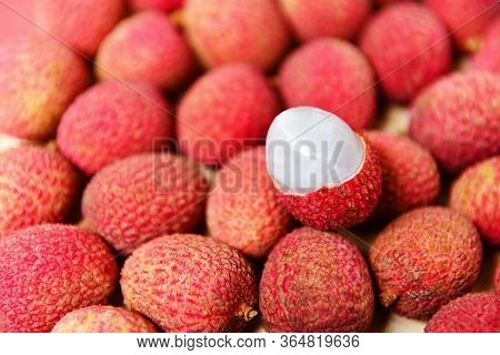 Lychee Slice Peeled Texture Background Top View / Fresh Lychee Harvest In Basket From Tree Tropical