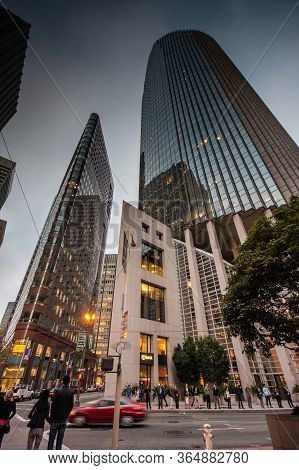 San Francisco, Usa - Oct 3, 2012: Office Skyscraper With Us Bank Logo In The Financial District On O