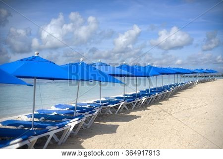 A Place Facing The Caribbean Sea. Beautiful Beach In Isla Mujeres Mexico, Near The Coral Reef, With