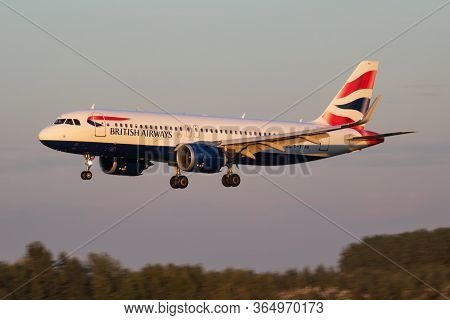 Budapest / Hungary - September 27, 2018: British Airways Airbus A320 Neo G-ttnb Passenger Plane Arri