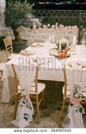 Wedding Dinner Table Reception. Draping Brown Chairs Chiavari Tiffany With White Cloth To Floor, Dec