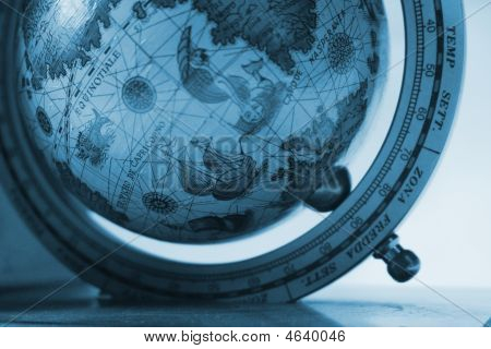 Early Explorer's Globe