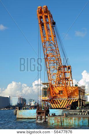 Large Dredging Crane With Scoop