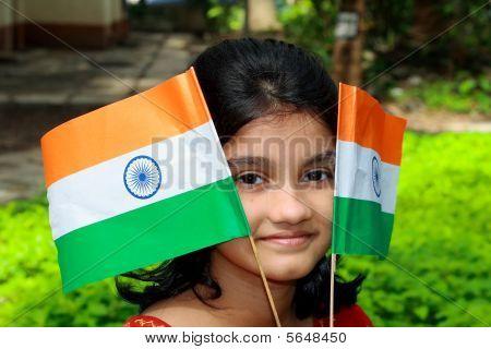 Mädchen mit zwei flags