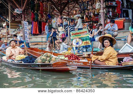 The Floating Market in Damnoen Saduak