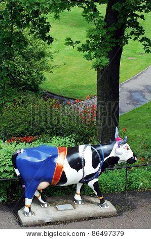 Cow parade sculpture, Edinburgh