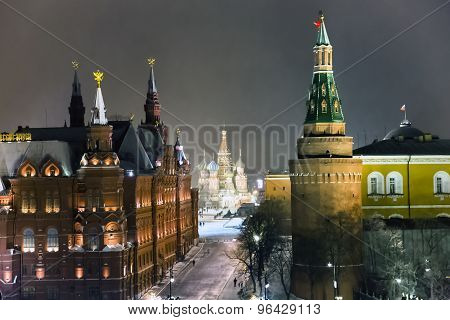 Night panorama of State Historic Museum and cathedral of Vasiliy Beatific