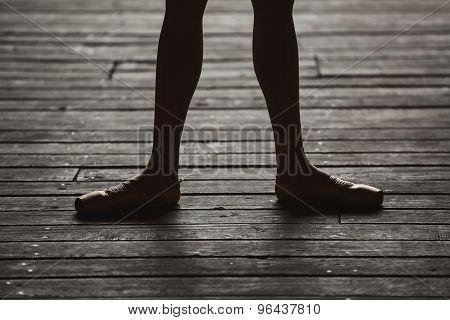 Ballerina dancing feet
