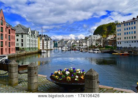alesund, norway, city centre, cloudy, water, hause