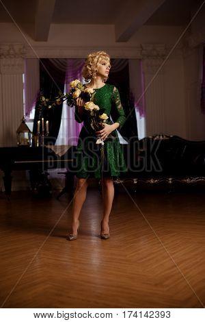 Beauty rich luxury woman like Marilyn Monroe