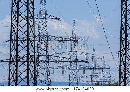 current asten a high voltage line