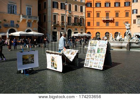 Rome: feb 20. 2017-Italy Rome Piazza Navona and people around