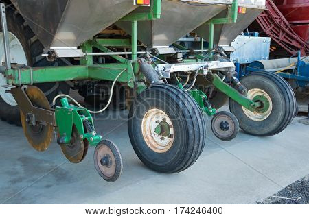 wheels hydraulics hoppers and other mechanical parts of commercial sugarcane planting machine