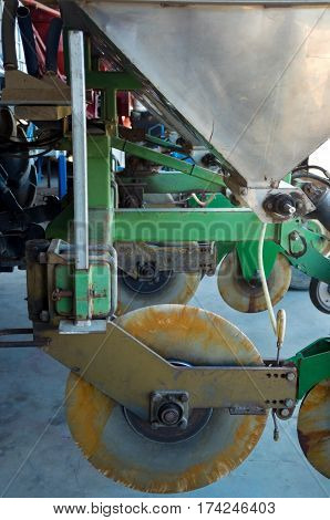 commercial sugarcane planting machine wheels hopper and other mechanical parts