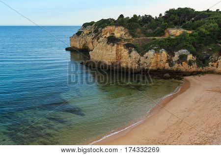 Praia Dos Tremocos (lagoa, Portugal).
