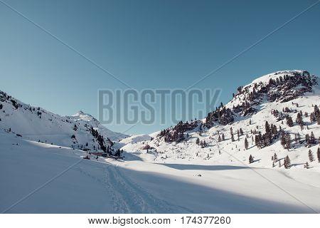 ski touring at schafsiedel near bamberger huette
