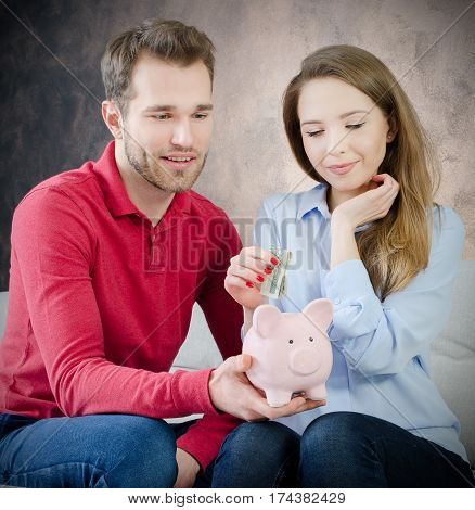 Young Marriage Puts Savings Into Piggy Bank