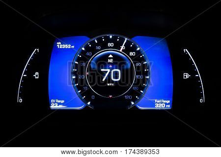 Modern Light Car Mileage On Black Battery Indicator 70 Mph