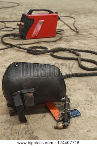 Manual plasma machine with equipment, welding mask.