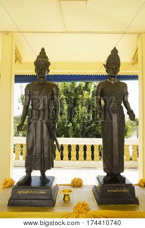 King Sri Indraditya or Pho Khun Si Inthrathit and Queen Sueang statue for people and visit and pray at Wat Muang temple on January 25 2017 in Ang Thong Thailand