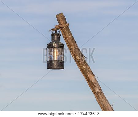 Simple street lamp-post old vintage lamp hanging