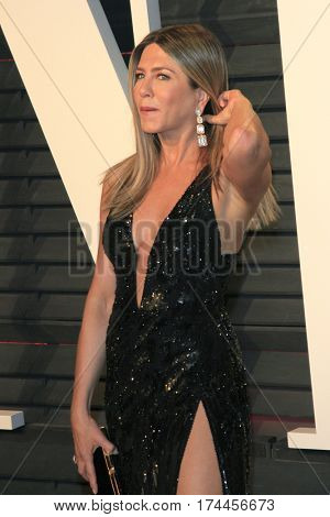 LOS ANGELES - FEB 26:  Jennifer Aniston at the 2017 Vanity Fair Oscar Party  at the Wallis Annenberg Center on February 26, 2017 in Beverly Hills, CA