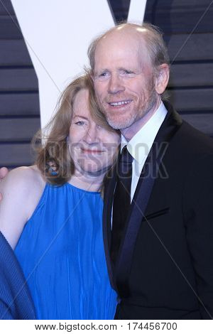 LOS ANGELES - FEB 26:  Cheryl Howard, Ron Howard at the 2017 Vanity Fair Oscar Party  at the Wallis Annenberg Center on February 26, 2017 in Beverly Hills, CA