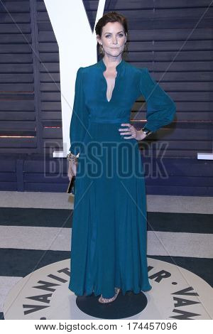 LOS ANGELES - FEB 26:  Carey Lowell at the 2017 Vanity Fair Oscar Party  at the Wallis Annenberg Center on February 26, 2017 in Beverly Hills, CA