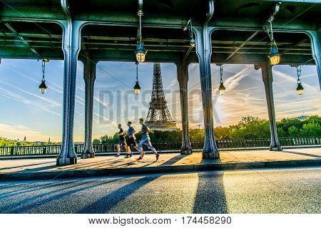 Eiffel Tower From Pont De Bir-hakeim