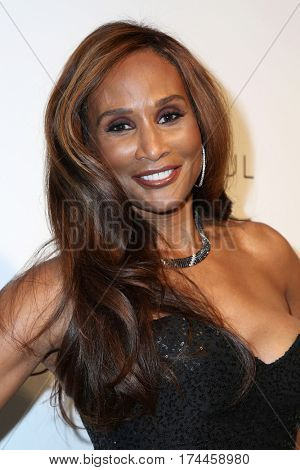 LOS ANGELES - FEB 26:  Beverly Johnson at the 25the Annual Elton John Academy Awards Viewing Party at the  City of West Hollywood Park on February 26, 2017 in West Hollywood, CA