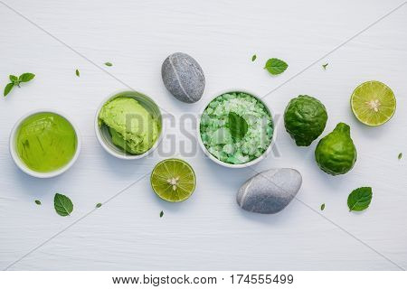 Homemade Skin Care And Body Scrubs With Green Natural Ingredients Aloe Vera ,aromatic Salt ,avocado