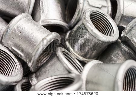 Placer connecting fittings for metal pipes. Steel castings.