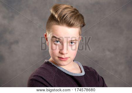 Teenager Raise One's Eyebrows