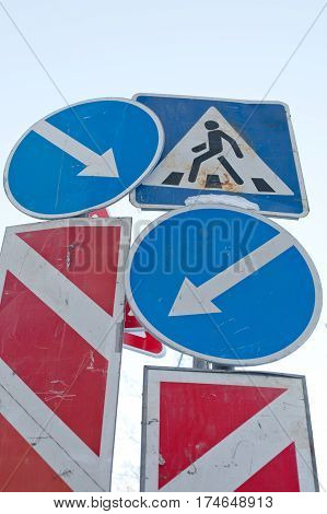 confusion conflict of direction arrows traffic signs