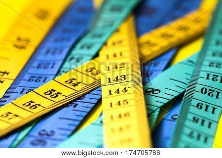 Close up measuring tape extreamly shallow DOF