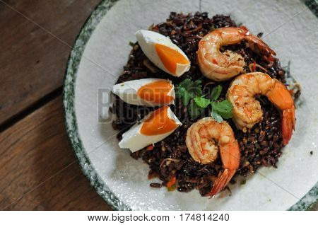 Thai Fusion Food, Dry Tomyum Riceberry With Shrimp And Salted Egg
