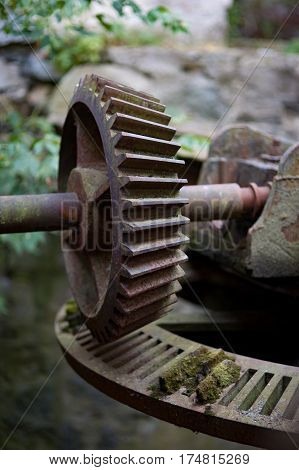 The Vintage worm gear water mill gateway