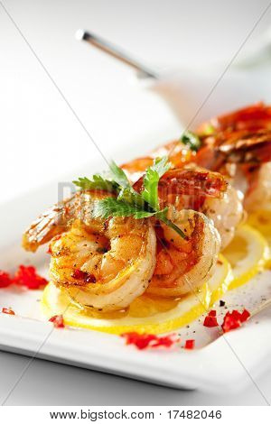 Fried Shrimps on Lemon Carpaccio with Sauce