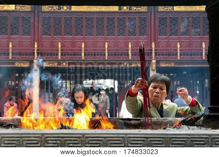 Shanghai, China - Nov 1, 2007: Chinese People Praying In City God Temple (chenghuang Miao). In Buddh