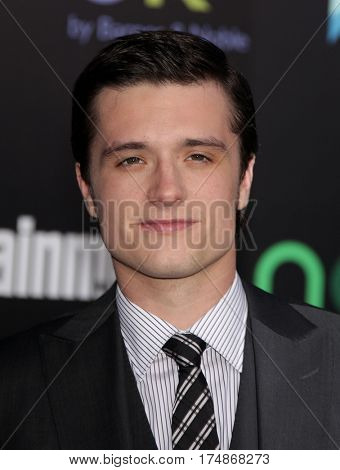 LOS ANGELES - MAR 12:  JOSH HUTCHERSON arrives for the