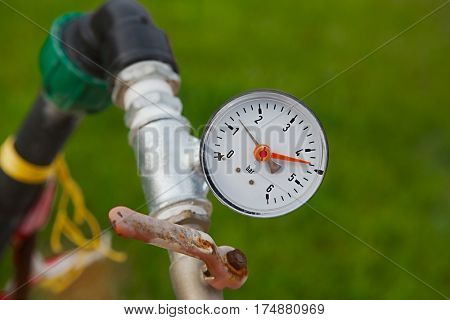 Manometer on a water supply system