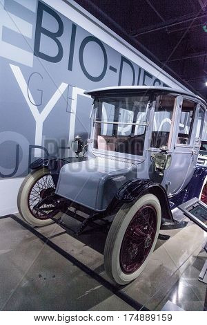 Battery Powered 1915 Detroit Electric Model 61 Brougham