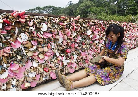 Travellers Thai Women Travel And Portrait At Love Lock Penang Hill Zone