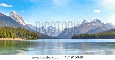 Maligne Lake in Jasper national park, Alberta, Canada