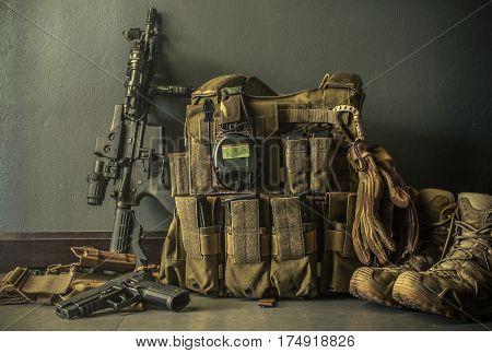 assault rifle pistol glove and equipment warrior
