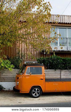 Panel Van Restore In Custom Mode In Front Of A Beautiful House