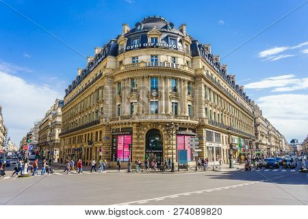 Paris, France - April 08, 2018: Scenic View Of The Avenue De L Opera In Paris With The Comedie Franc