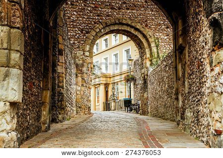 The Entrance And Walkway Outside Of The Lewes Castle & Gardens, East Sussex County Town. The Old Vin