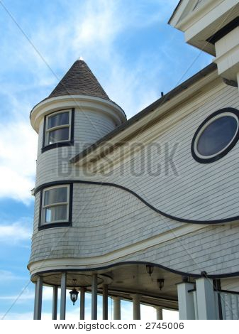 Curvy Victorian Seaside Home